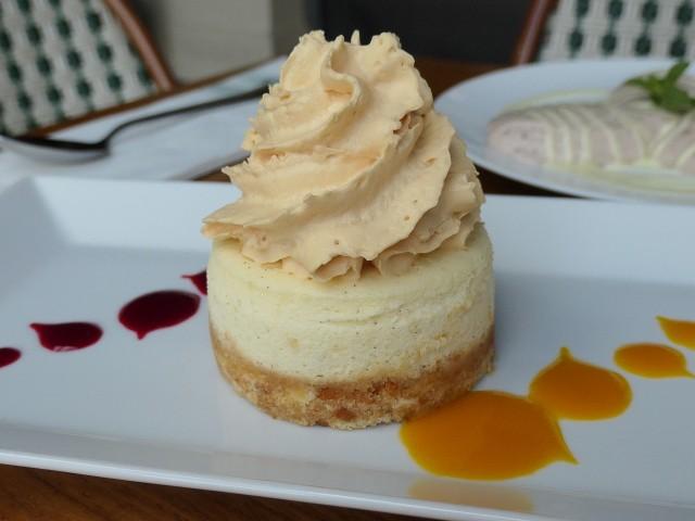 Loui's Corner NY Cheesecake