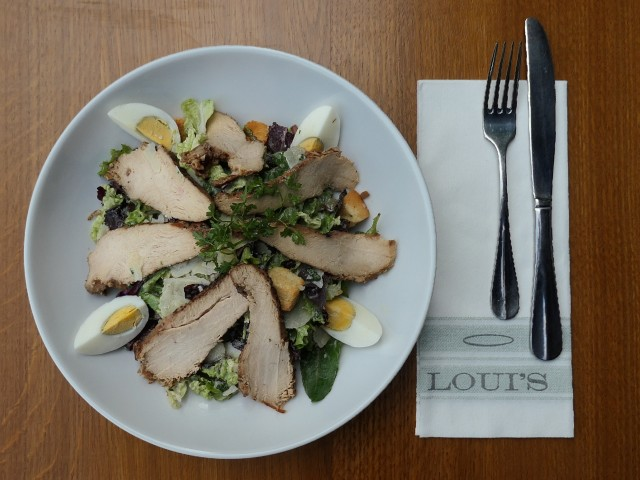 Loui's Corner Salade Caesar